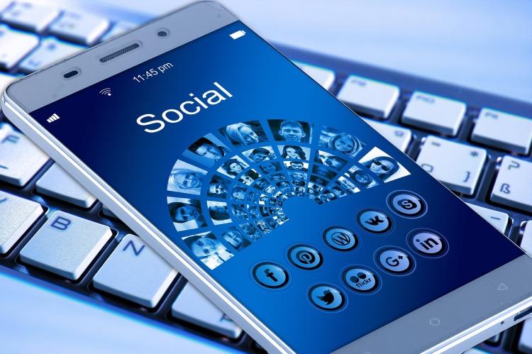 mobile-phone-1917737_1280